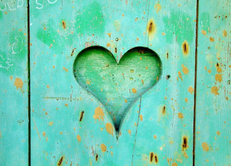 Heart in turquoise door