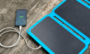 GoSun SolarPanel 30 foldable 30Watt portable solar panel charging a mobile phone